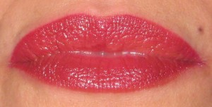 Daliia My Best Friend's Red Herbal Lip Stain w/Shiseido RD702 at 7:00 pm.