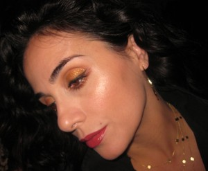 Chanel Illusion D'Ombre Vision on top of a brown eyeshadow.