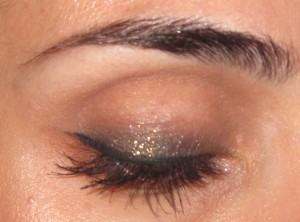 Chanel Illusion D'Ombre Eyeshadow in Mirifique (85) with Vision (89) on top.