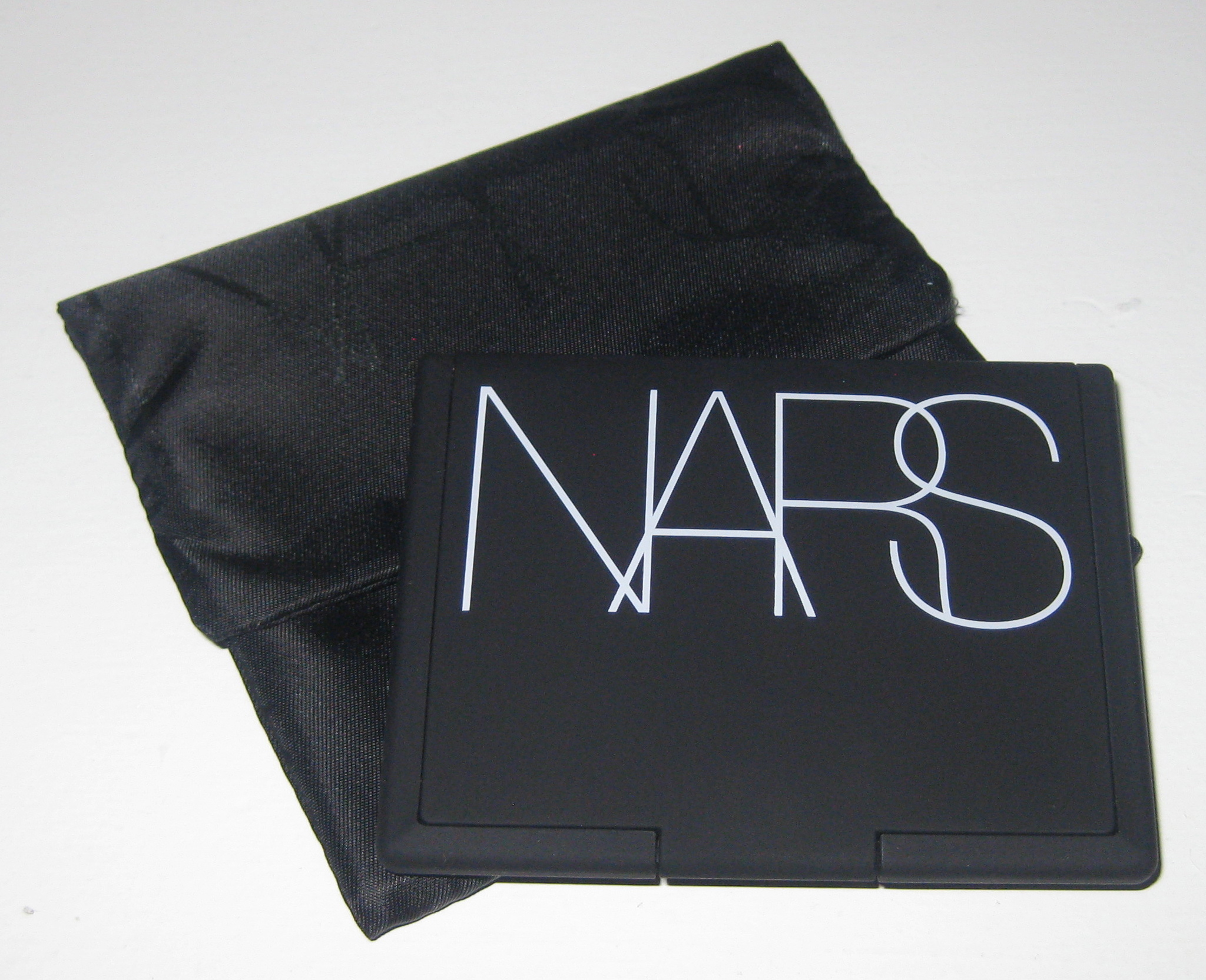 nars light reflecting pressed setting powder review and comparisons. Black Bedroom Furniture Sets. Home Design Ideas