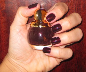 Dior Minuit Diorific Vernis with flash photography.