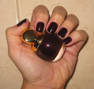 True color representation of Dior Minuit Diorific Vernis.
