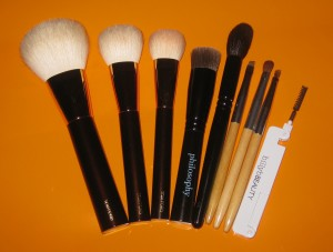 Top Brushes 2013: Tom Ford Bronzer Brush, Tom Ford Cheek Brush, Tom Ford Foundation Brush, Philosophy Supernatural Airbrush Brush, Wayne Goss Brush 02, Billy B. Brush Set.