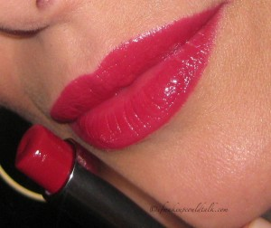 MAC Huggable Lipcolour in Red Necessity.