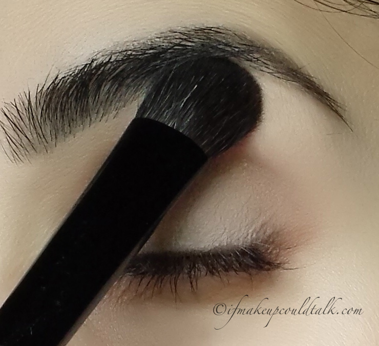 Chikuhodo Z-5 Eyeshadow Brush used to apply color under the brow.