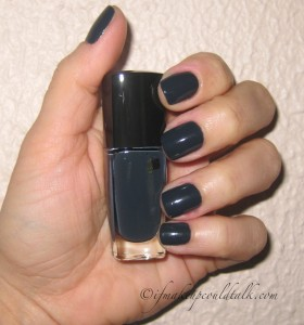 Day 1: Lancome Noir Caviar 585N Vernis in Love.