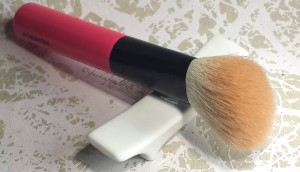 Memebox Meme Brush Set angled contour blush brush.