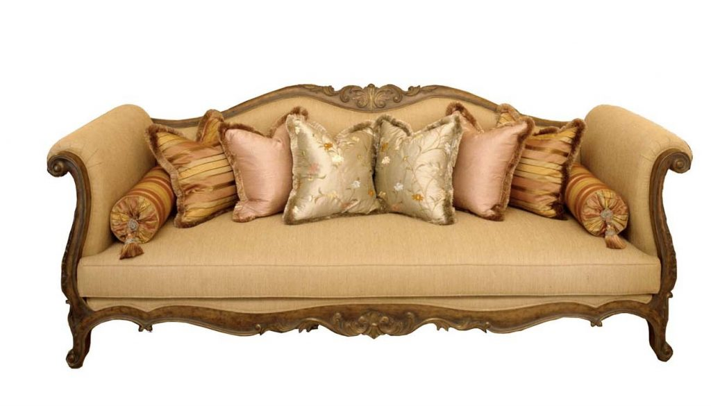 Moroccan inspired sofa. (photo courtesy of zinascos.blogspot.com).